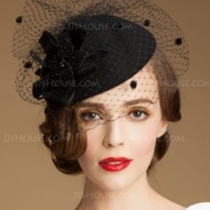 Black fascinator headband  👠 elegant vintage look